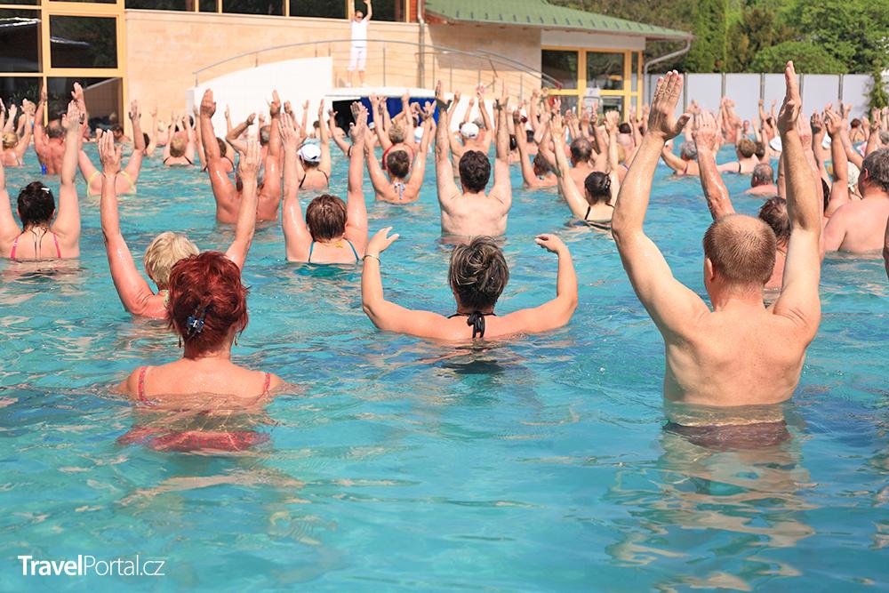 termální bazén v lázních Harkány