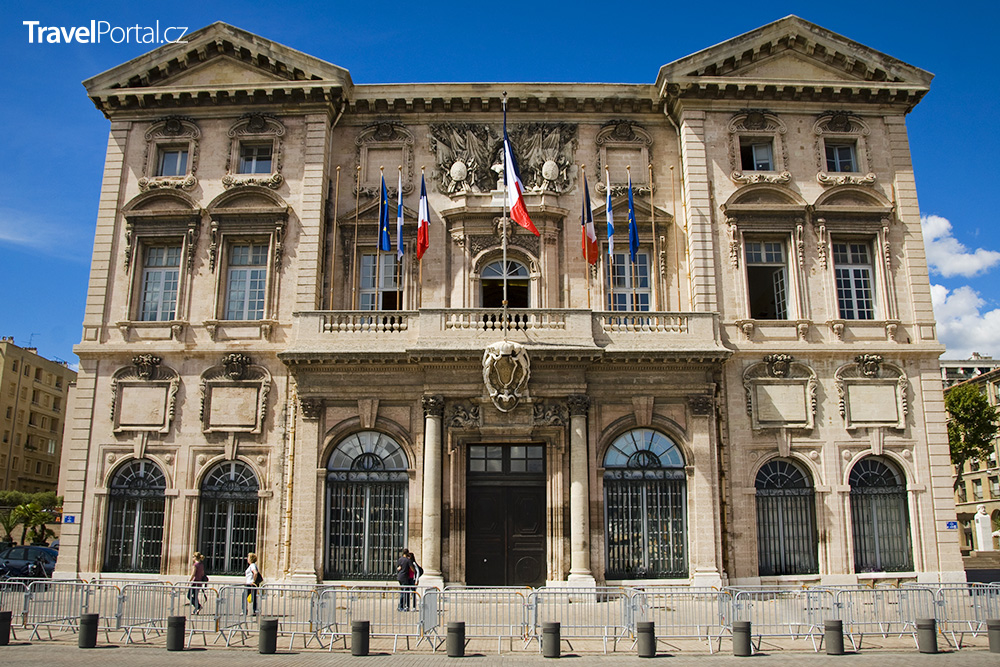 Hotel de Ville v Marseille