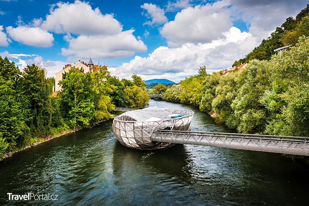 Murinsel ve městě Graz