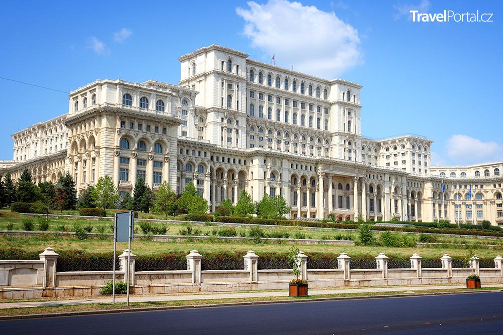 Palác Parlamentu ve městě Bukurešť
