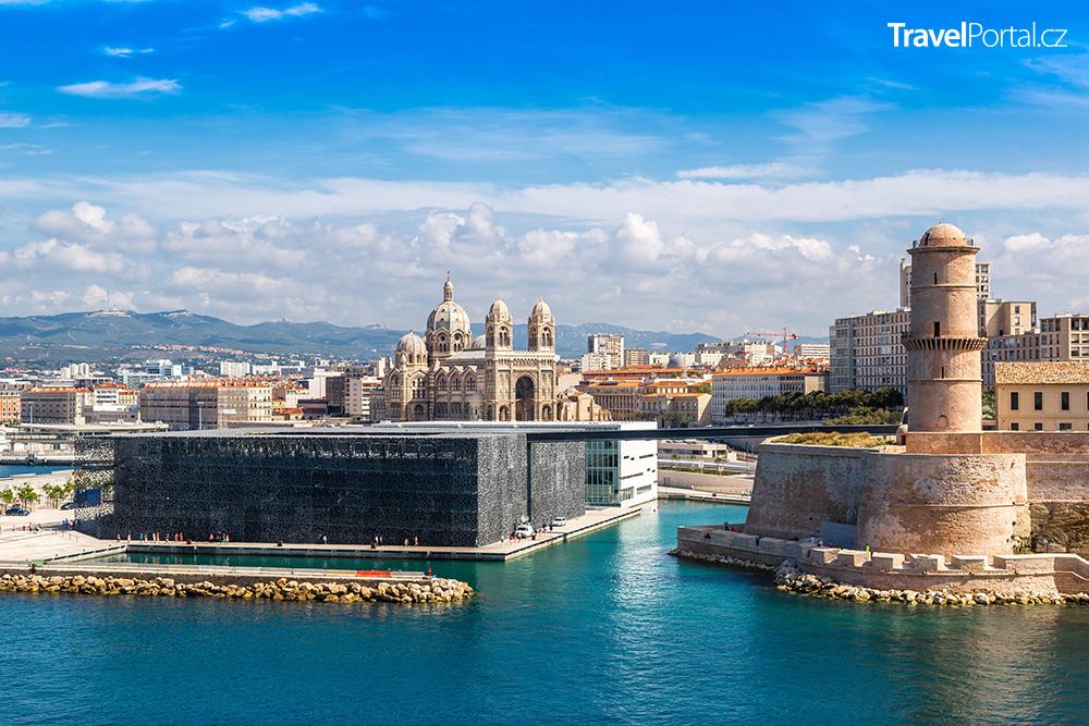 přístav ve městě Marseille