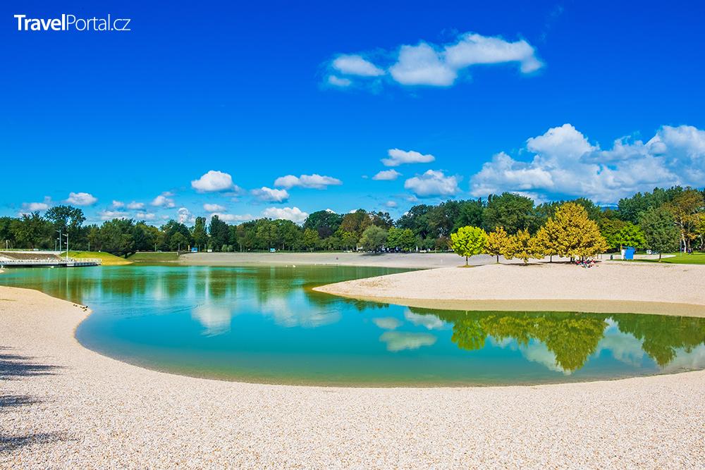 Bundekské jezero ve městě Záhřeb
