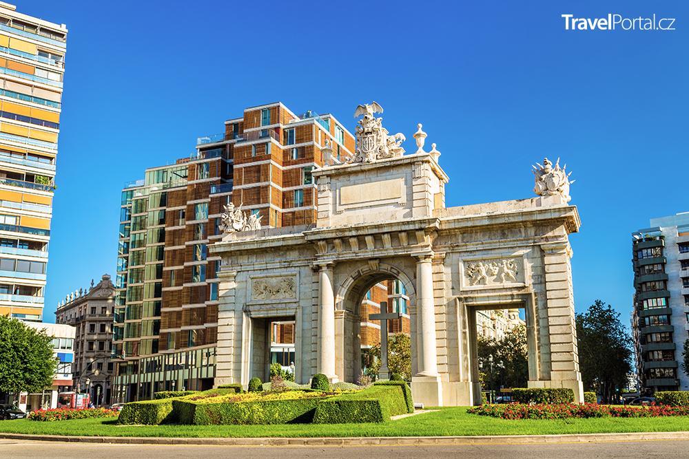 Puerta del Mar ve městě Valencie
