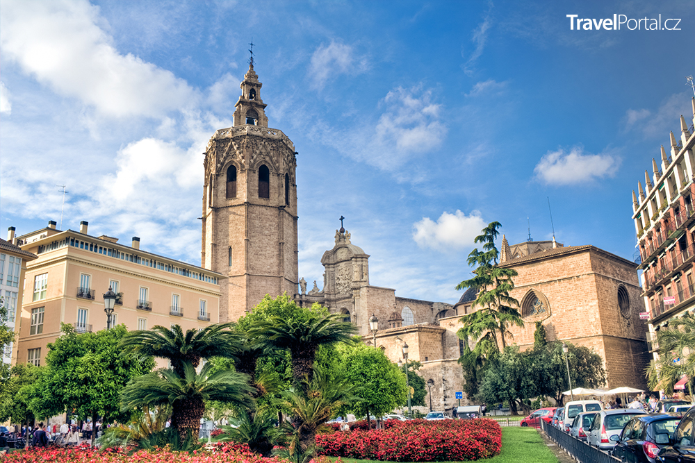 katedrála a věž Micalet