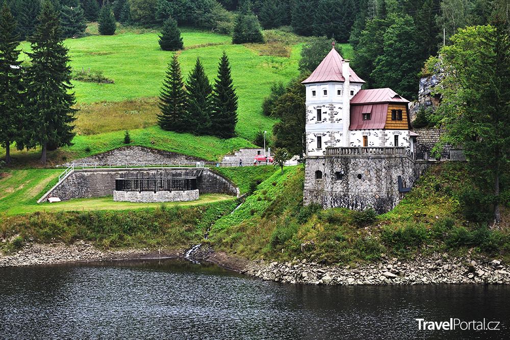 Labská přehrada a elektrárna ve Špindlerově Mlýně
