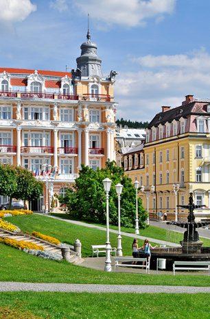 Mariánské Lázně: Slavné české město láká nejen na léčivé prameny