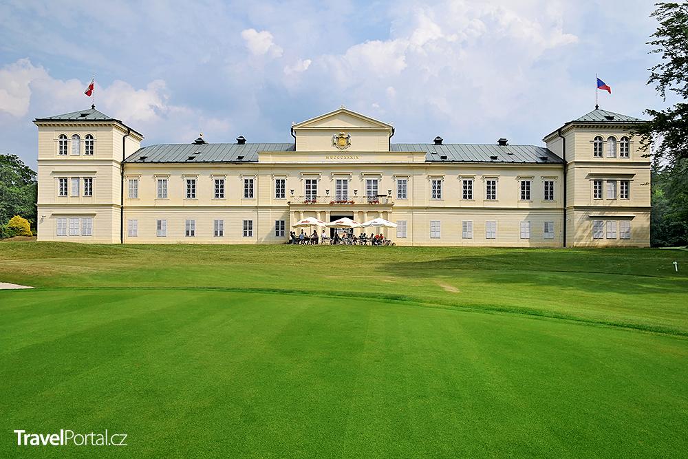 zámek a golfový klub Kynžvart