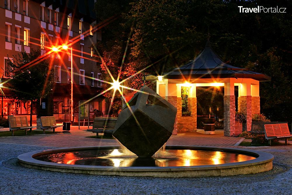 Jánské Lázně v noci