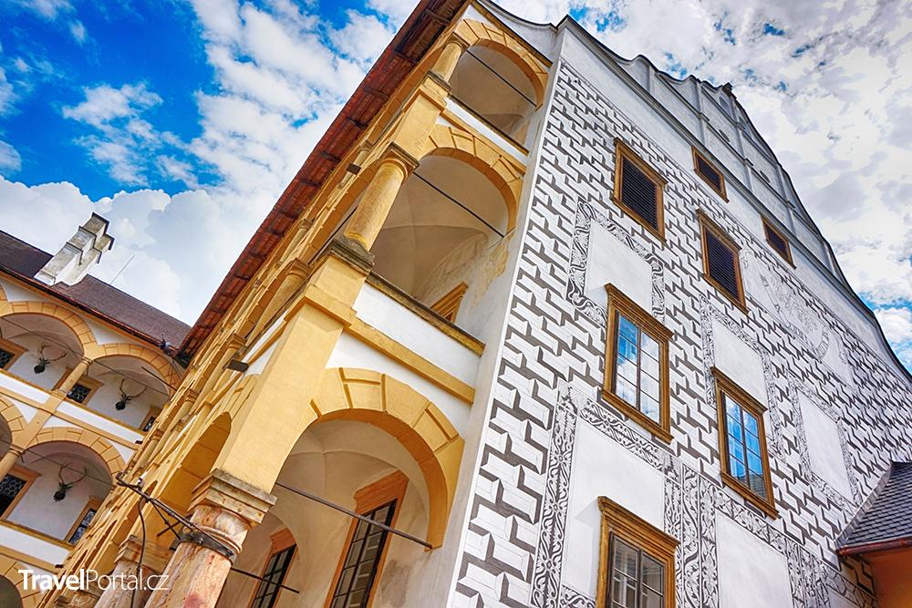 fasáda zámku Velké Losiny