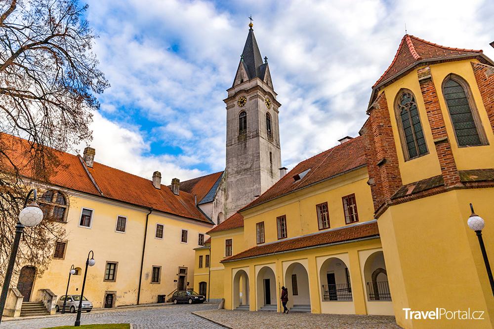 kostel svatého Jiljí a Panny Marie Královny
