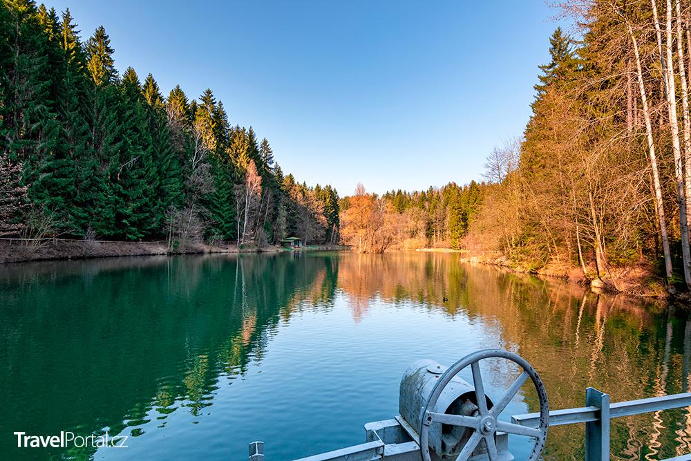 Ivanské jezero v přírodním parku Včelný