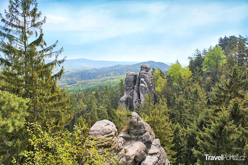 Prachovské skály nedaleko vesnice Prachov