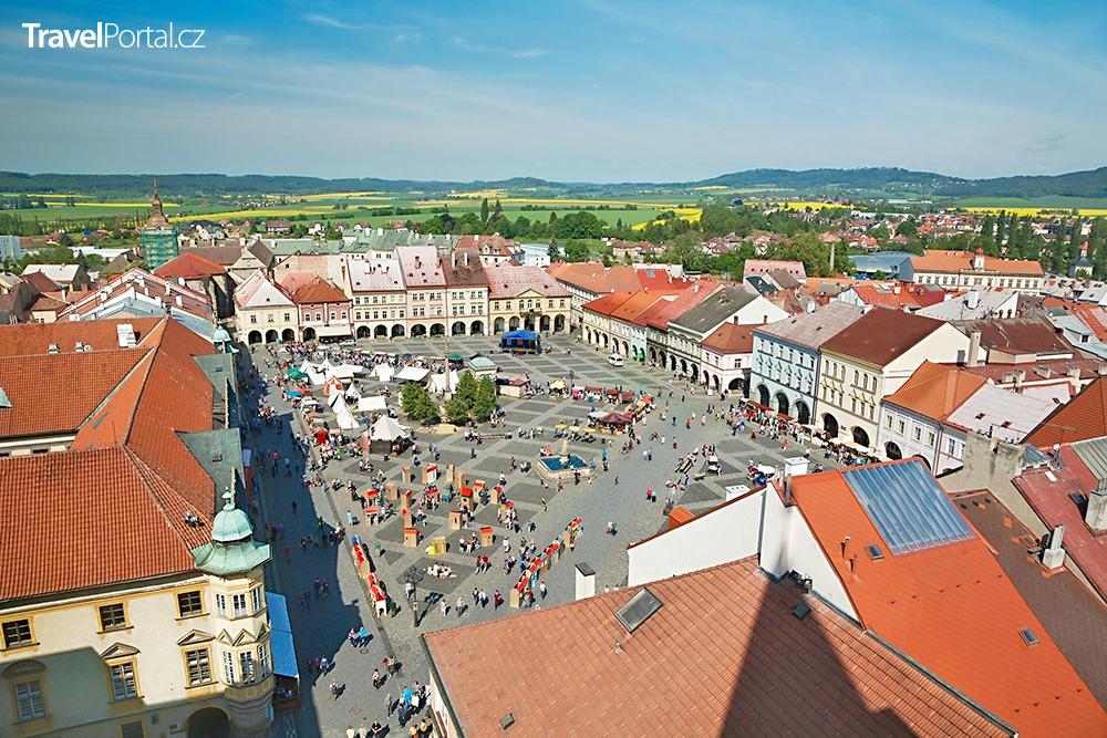 Valdštejnovo náměstí ve městě Jičín