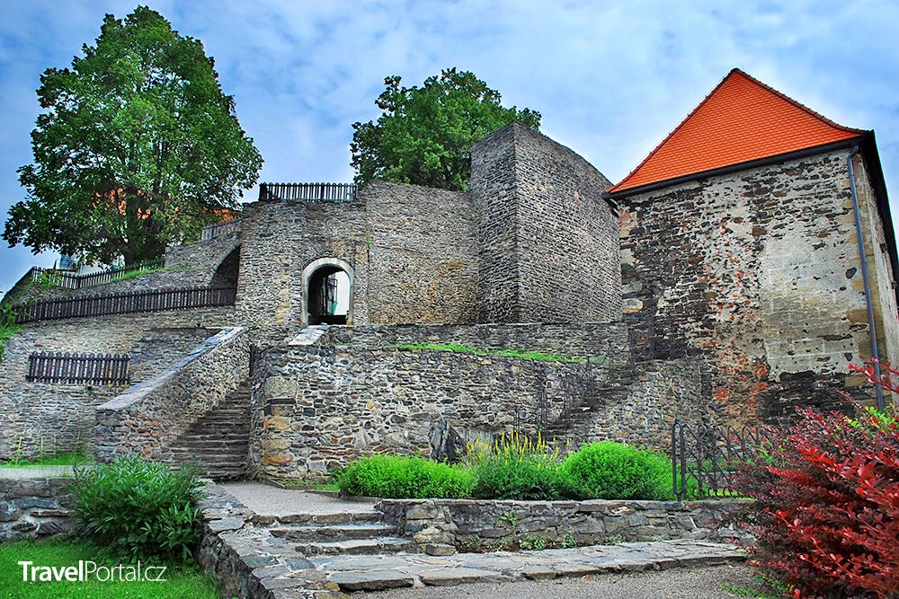 detail hradu Svojanov
