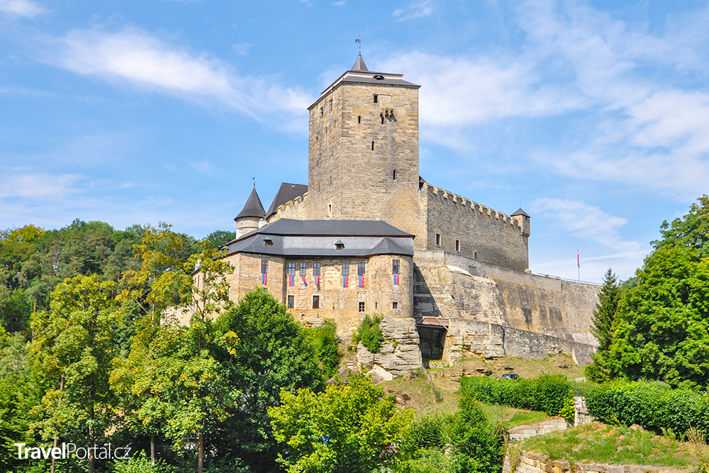 hrad Kost je od města Sobotka vzdálen pouhé 4 kilometry