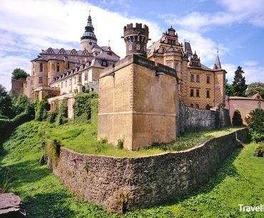 hrad a zámek ve městě Frýdlant