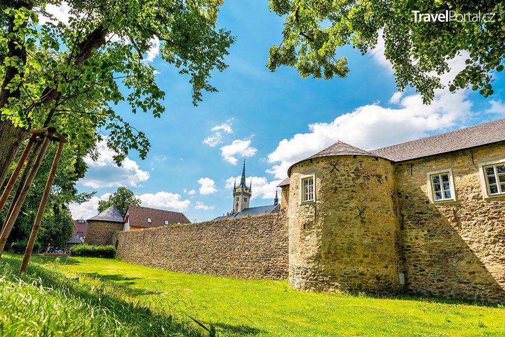 hradby ve městě Polička