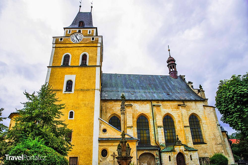 kostel Nalezení svatého Kříže ve městě Frýdlant