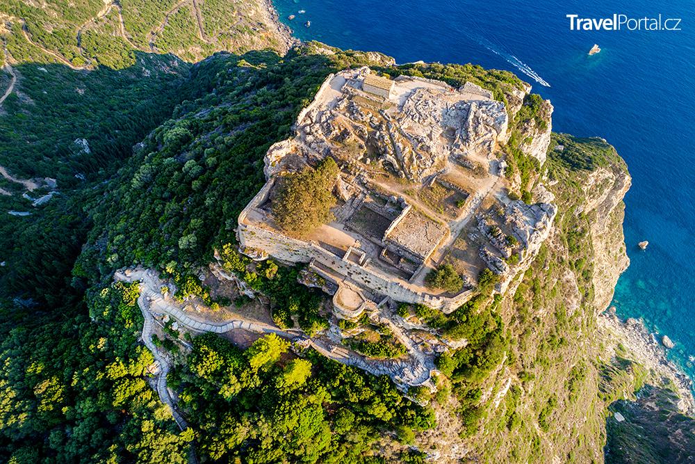 letecký pohled na hrad Angelokastro