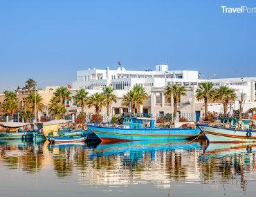 přístav ve městě Hammamet