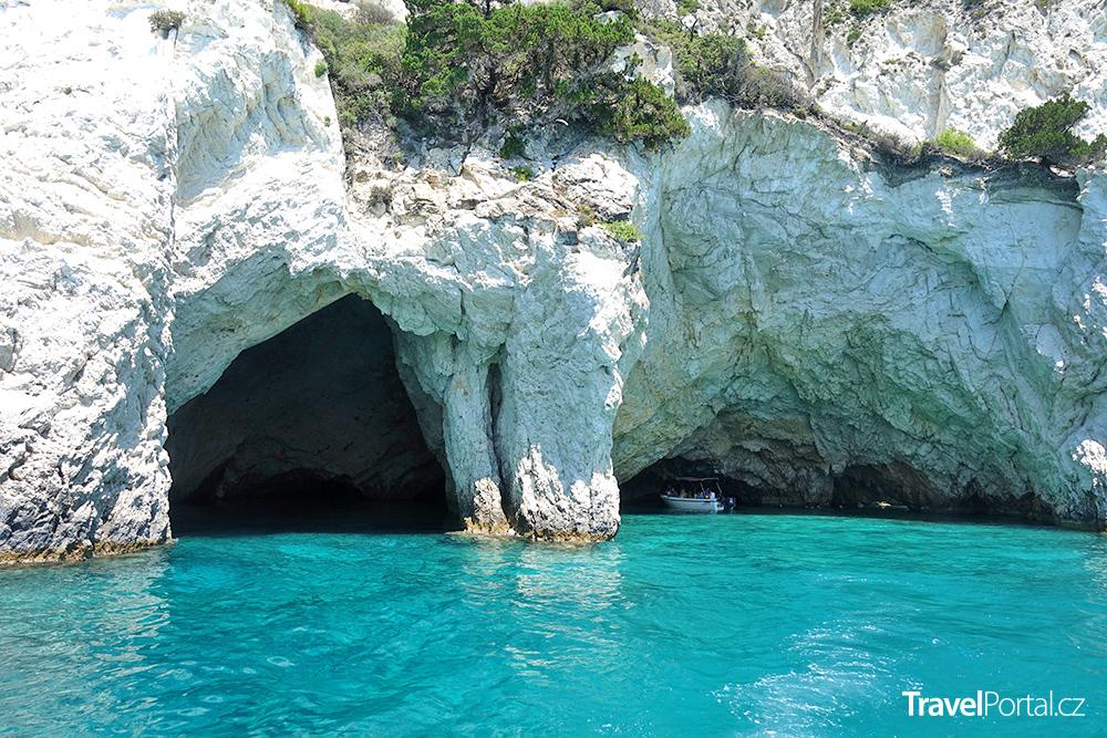 jeskyně na severním pobřeží