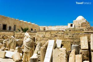 pevnost Borj El Kebir ve městě Houmt Souk