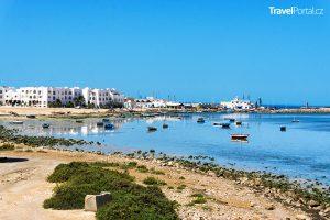 pobřeží města Houmt Souk