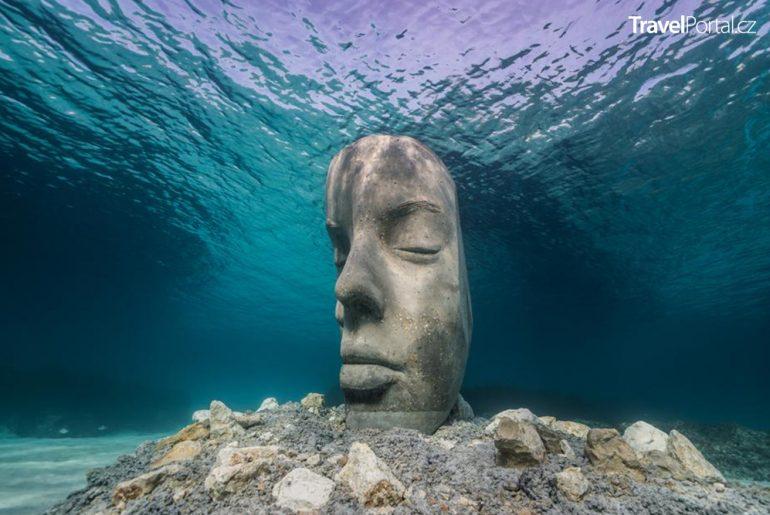 podvodní galerie u města Cannes