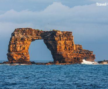 Darwinův oblouk v souostroví Galapágy