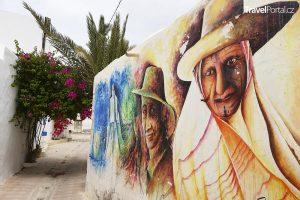 čtvrť Djerbahood ve městě Er Riadh na tuniském ostrově Djerba