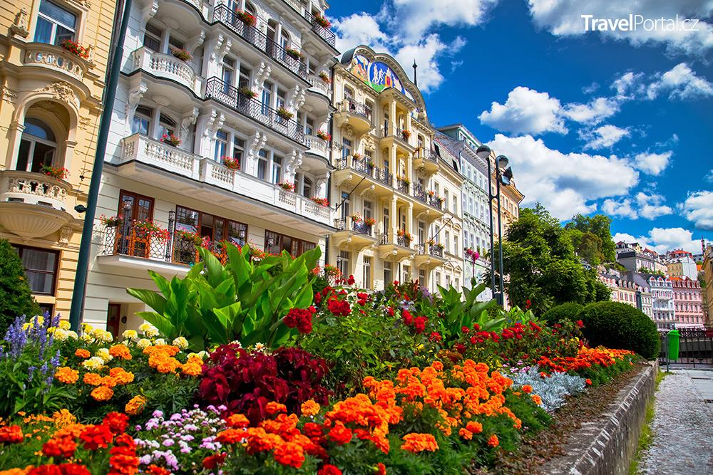 Karlovy Vary v létě