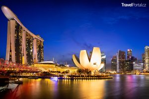 Singapur v noci